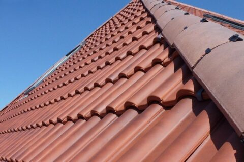 <b>Local Roofers</b> in Southcote
